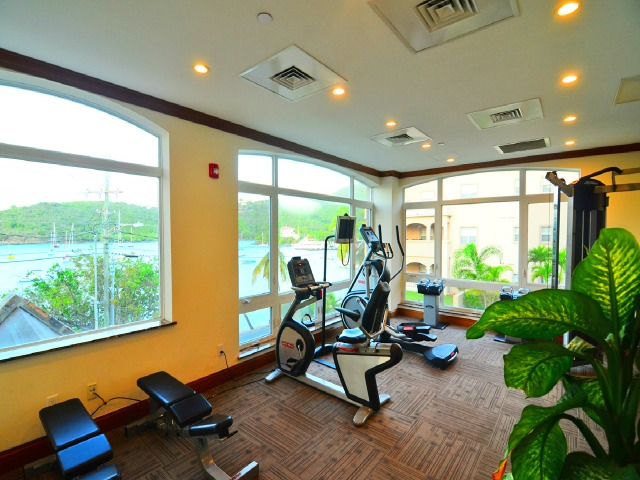 Grande Bay exercise room